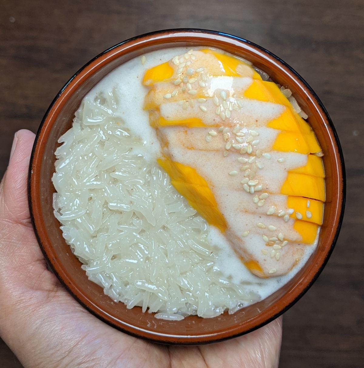 Sticky rice with mango, #1 Thai dessert - Plateful of veggies